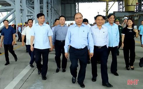阮春福:台塑钢铁厂要努力减少环境影响 - ảnh 1