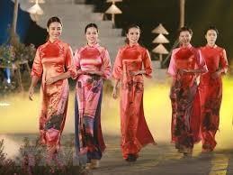 越南语讲座:Tại cửa hàng quần áo 在服装店 - ảnh 1