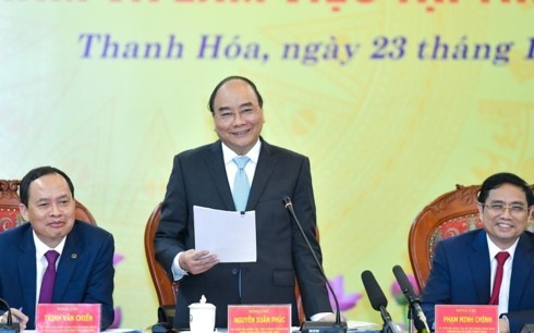 阮春福与清化省主要领导人座谈 - ảnh 1