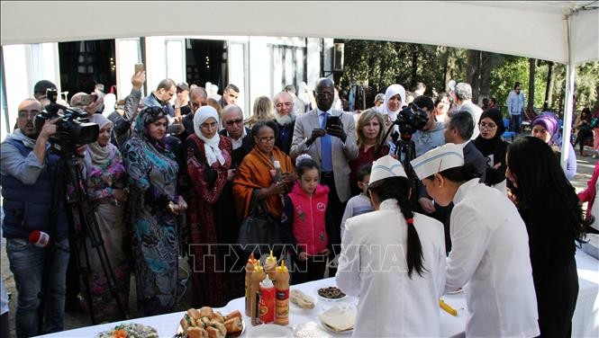 在阿尔及利亚推介越南文化和饮食 - ảnh 1