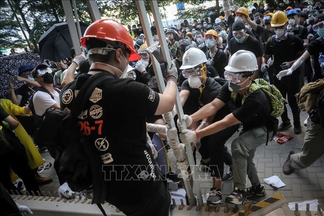 中国香港政府谴责极端暴力行为 - ảnh 1