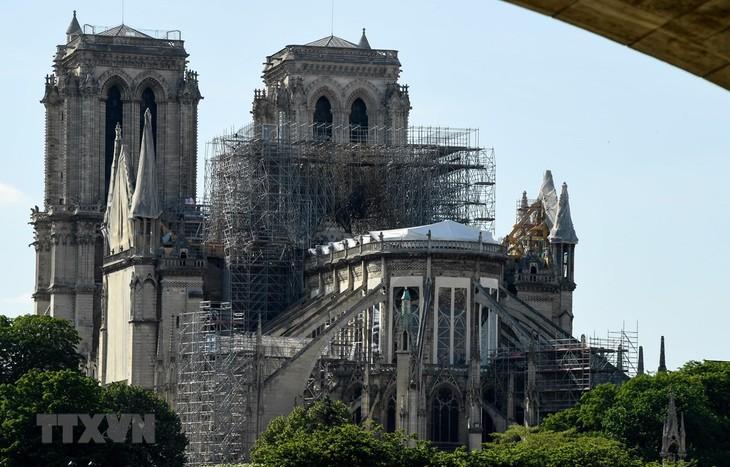 巴黎圣母院大教堂:政府官员警告大教堂易于倒塌 - ảnh 1
