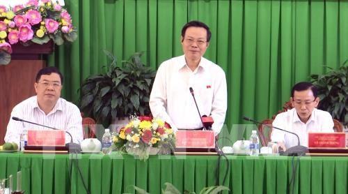Phung Quoc Hien plaide pour une connexion interrégionale efficace dans le delta du Mékong  - ảnh 1