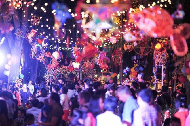 La fête de la mi-automne célébrée dans des localités vietnamiennes - ảnh 1
