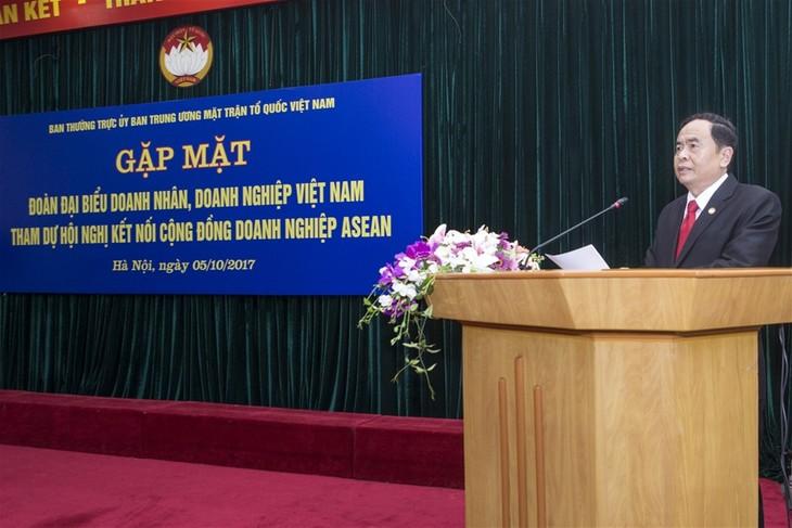 Tran Thanh Mân rencontre les entrepreneurs vietnamiens exemplaires  - ảnh 1