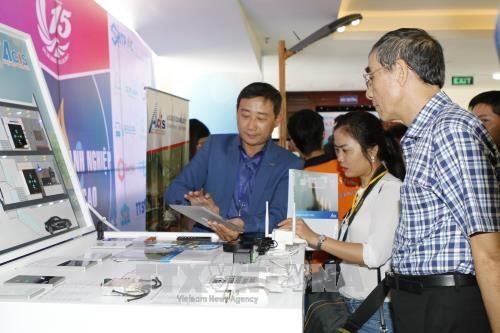 Nguyen Xuan Phuc au 15ème anniversaire du Parc de haute technologie de Ho Chi Minh-ville - ảnh 1