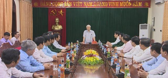 Nguyen Phu Trong rend visite au commandement de la 4ème zone militaire - ảnh 1