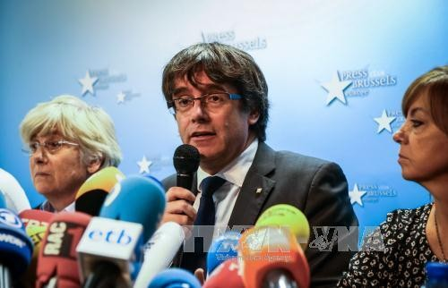 Le parquet espagnol demande un mandat d'arrêt européen contre Puigdemont - ảnh 1