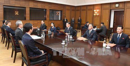 Pourparlers entre les deux Corées pour préparer le sommet du 27 avril - ảnh 1