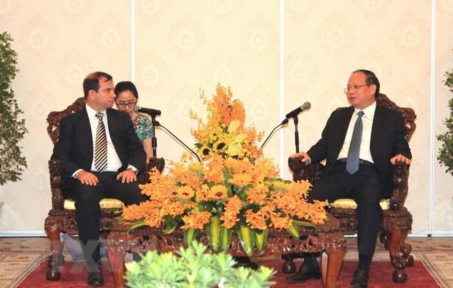 Le président de l'institut cubain d'amitié avec les peuples en visite à Hô Chi Minh-ville - ảnh 1