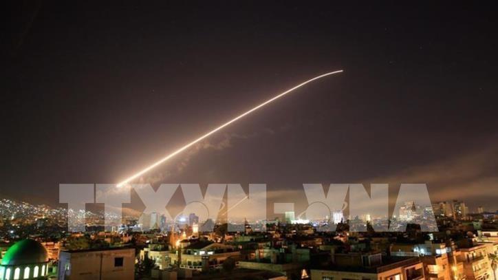 Syrie : Washington, Paris et Londres ont mené des frappes contre les armes chimiques - ảnh 1