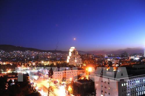 Frappes en Syrie: les réactions se multiplient dans le monde - ảnh 1