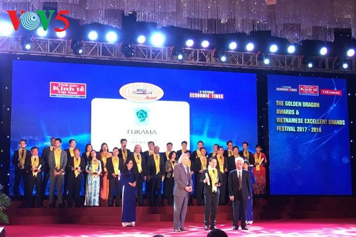 Remise du prix Dragon d'or aux meilleures entreprises au Vietnam - ảnh 1