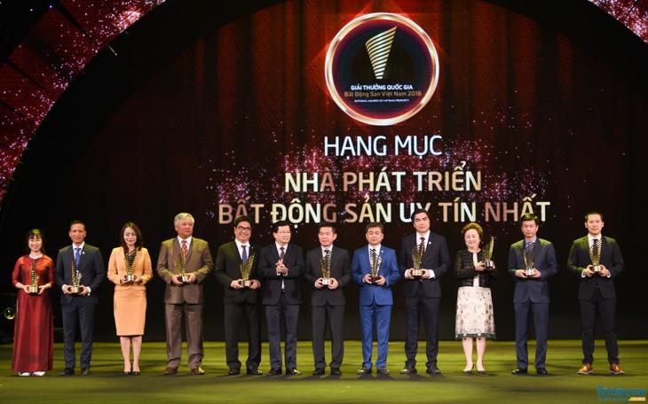 Remise des prix de l'immobilier du Vietnam 2018 - ảnh 1