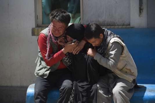 Kaboul: un attentat du groupe Etat islamique tue près de 50 personnes - ảnh 1