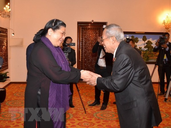 La vice-présidente de l'Assemblée nationale en visite au Cambodge - ảnh 1