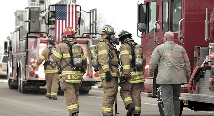 Explosion dans une raffinerie dans le Wisconsin: au moins cinq blessés - ảnh 1