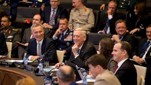 L'UE et l'OTAN veulent renforcer leur coopération - ảnh 1