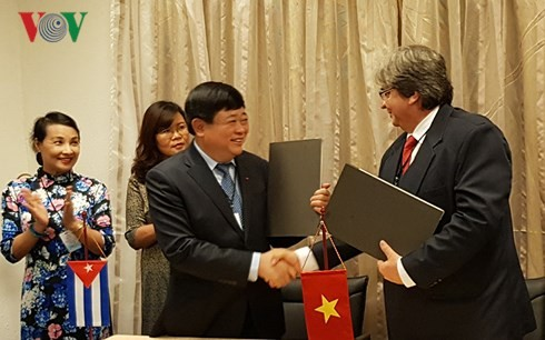 Le Vietnam et Cuba dynamisent leur coopération radiophonique - ảnh 1