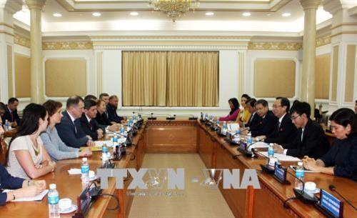 Hô Chi Minh-ville renforce sa coopération avec Saint-Pétersbourg - ảnh 1