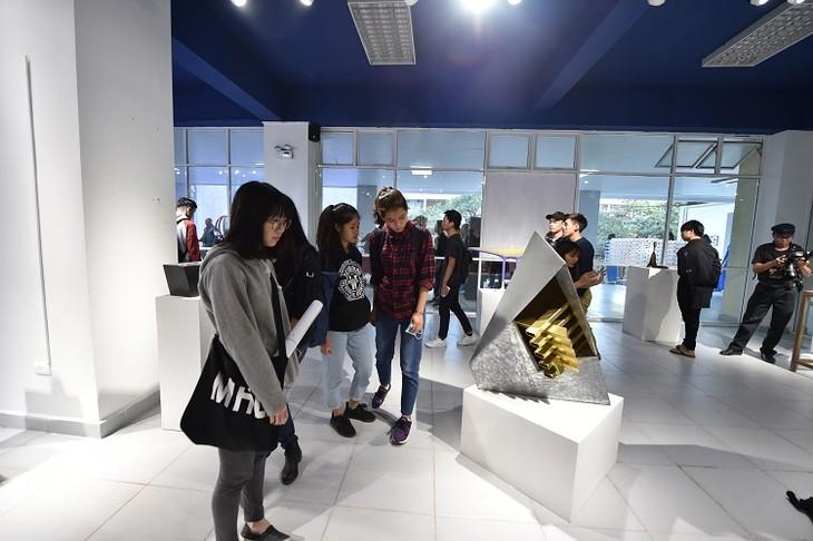 Les espaces culturels créatifs à Hanoï  - ảnh 1