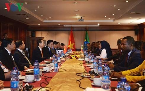 Le président vietnamien rencontre la présidente du Sénat éthiopien - ảnh 1