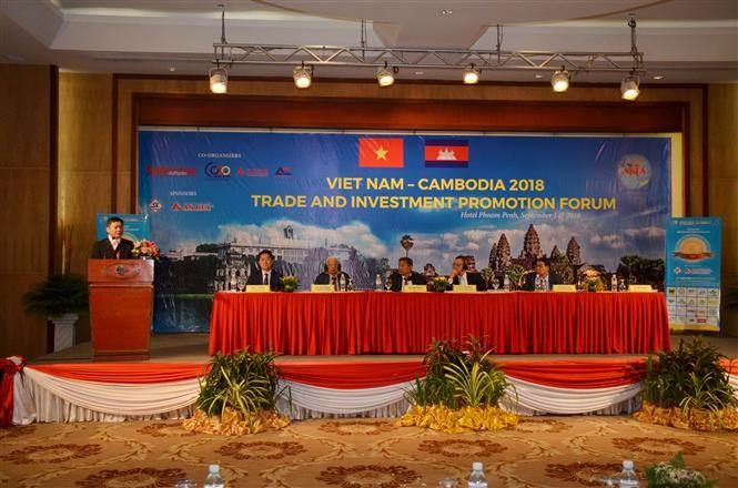 Vietnam-Cambodge: Forum de promotion du commerce et de l'investissement   - ảnh 1