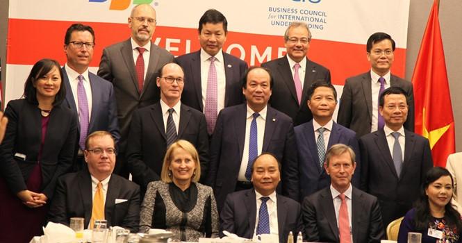 Rencontre du PM vietnamien avec des chefs d'entreprises américains - ảnh 1