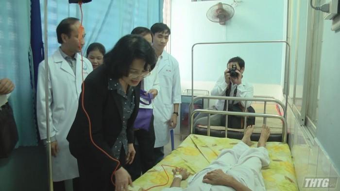 Dang Thi Ngoc Thinh au 40e anniversaire de la polyclinique centrale de Tiên Giang - ảnh 1