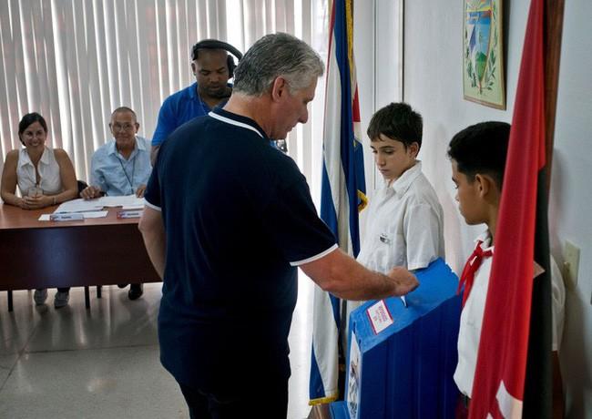 Cuba approuve massivement sa nouvelle Constitution - ảnh 1