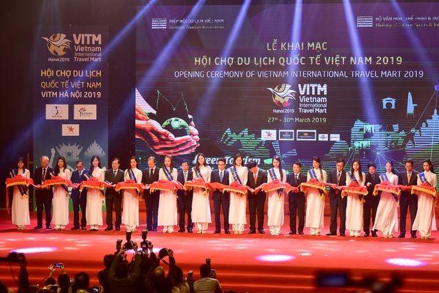 Mise à l'honneur des meilleurs voyagistes du Vietnam de 2018 - ảnh 1
