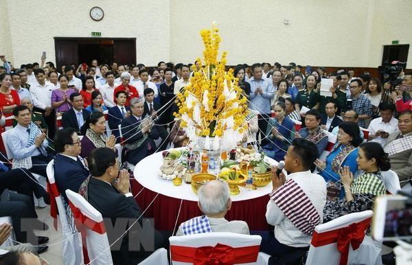 Le Bunpimay des Laotiens fêté au Vietnam - ảnh 1