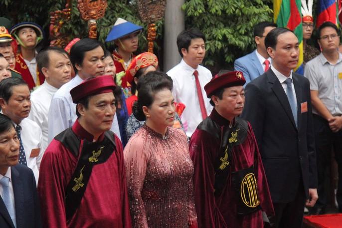La fête des rois Hùng 2019 aux temples qui leur sont dédiés - ảnh 1