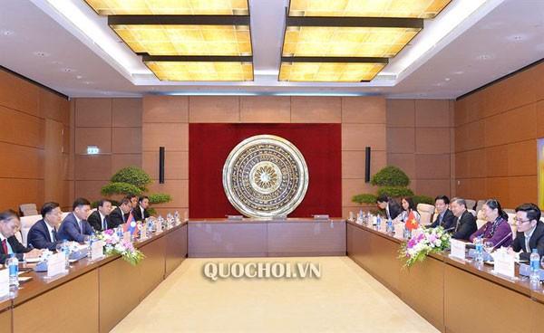 La commission économique de l'Assemblée nationale se réunit à Nha Trang - ảnh 1