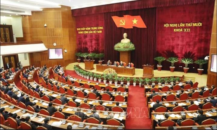 La préparation du prochain Congrès national du Parti communiste vietnamien en débat - ảnh 1