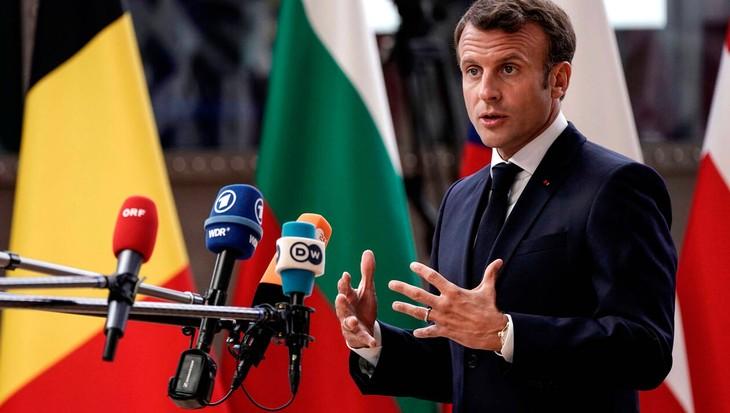 Échec du sommet de l'UE: Emmanuel Macron se fâche avant de regagner Paris - ảnh 1