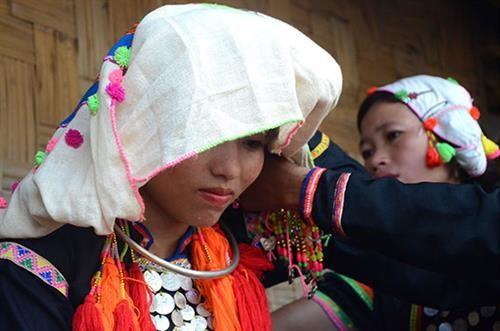 Les vêtements traditionnels des Si La - ảnh 2
