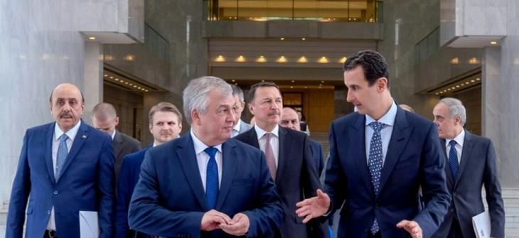 """Syrie: Assad promet de """"poursuivre"""" les efforts pour former un comité consitutionnel  - ảnh 1"""