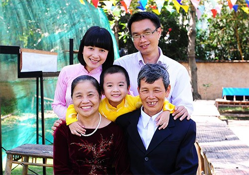 Research on traditional Vietnamese family in modern society - ảnh 1