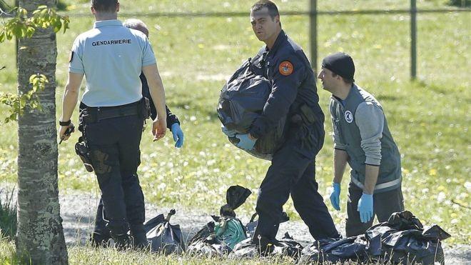 Basque separatists begin weapons handover - ảnh 1