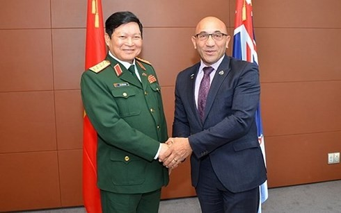 Vietnam, New Zealand forge closer defence ties - ảnh 1