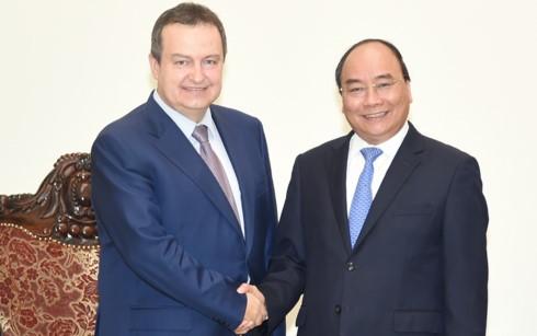 Nguyen Xuan Phuc reçoit le chef de la diplomatie serbe - ảnh 1