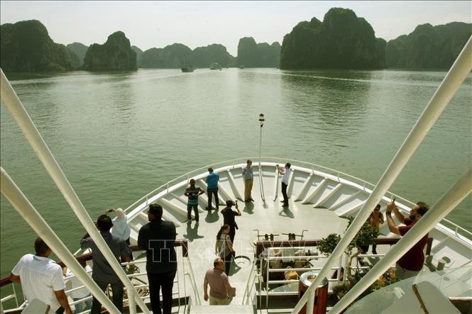 La délégation de l'ASOSAI visite la baie d'Ha Long - ảnh 1