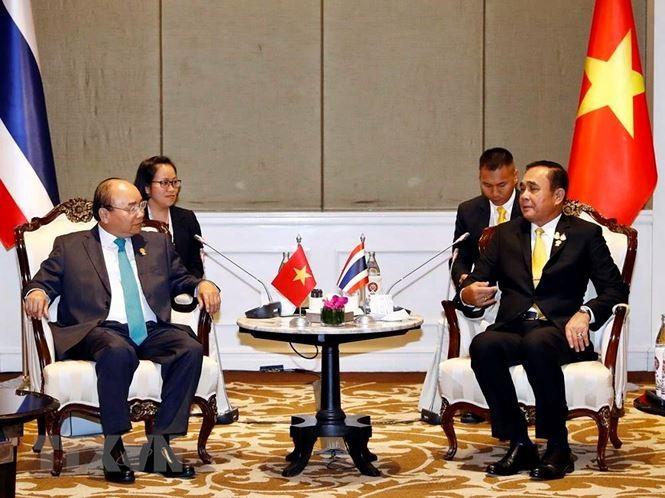 Rencontres de Nguyên Xuân Phuc avec des dirigeants de pays aséaniens - ảnh 1