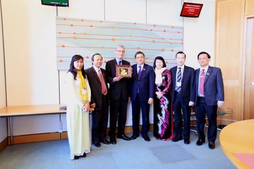 Vietnam, UK to foster parliamentary cooperation  - ảnh 1