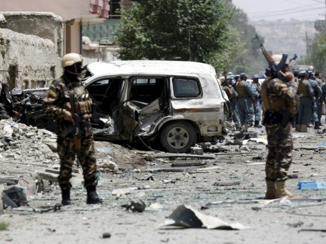NATO accused of air strike killing 11 Afghan police officers - ảnh 1