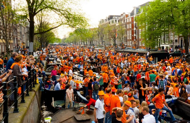 The King's Day of the Dutch: Time of orange madness!   - ảnh 5