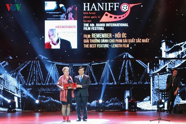 Spectaclular closing ceremony of Hanoi International Film Festival  - ảnh 11