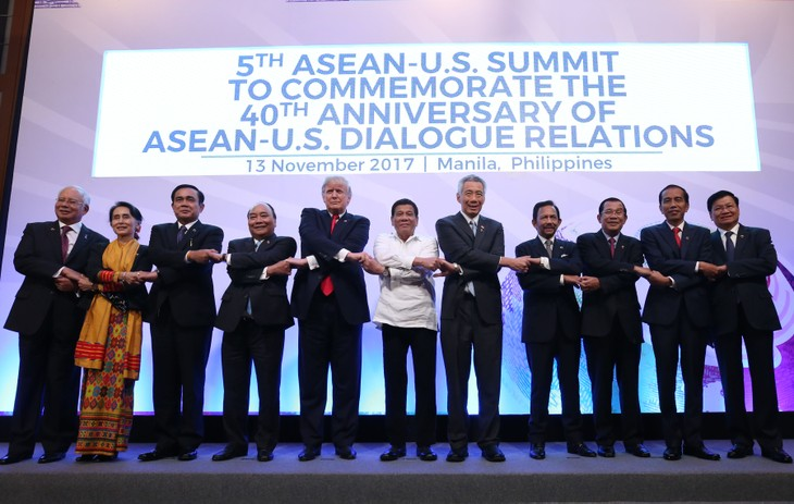 PM urges for stronger ties at Mekong-Japan Summit, ASEAN-UN Summit  - ảnh 1