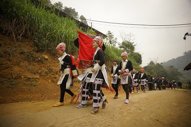 Wedding ceremony of the Red Dao   - ảnh 4